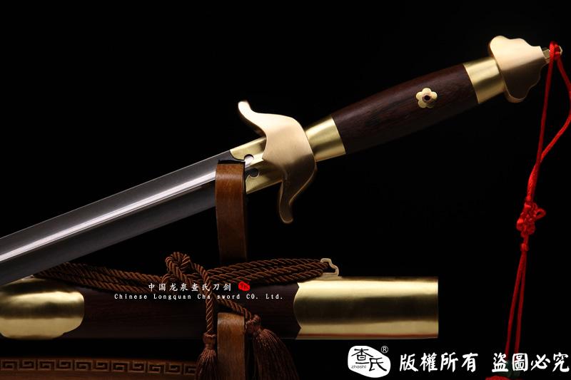 手工花纹钢太极剑-武术剑-凹槽软剑