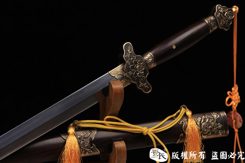 夏初-高性能百炼钢龙泉剑