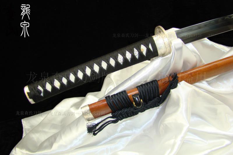 银装玉钢极品武士刀
