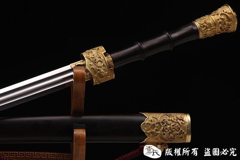 手工雕刻双龙剑