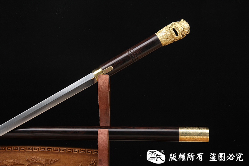 《瑞兽手杖剑》全铜打造的龙头把手